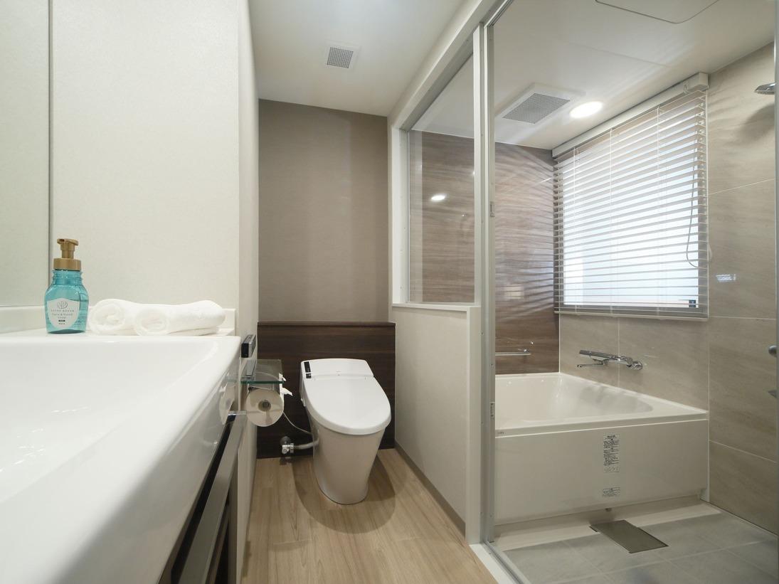 ゆったり入れる洗い場付き浴室