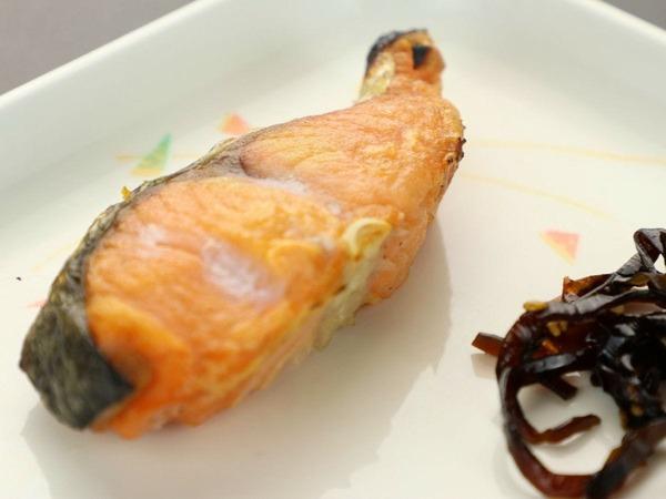 ふっくら厚みのある焼き魚にほっこり