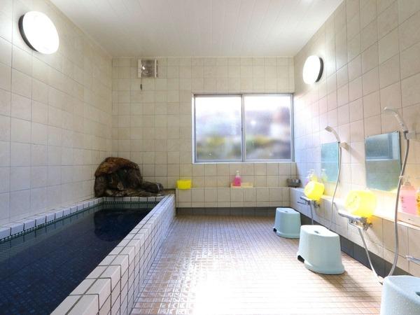 男湯は浴槽が広いので、とても人気です