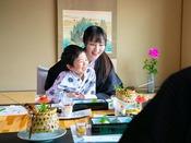 カラフルな岩国寿司に、ぷりぷりの新鮮な瀬戸内の幸。家族で「おいしい」を共有する楽しい時間♪