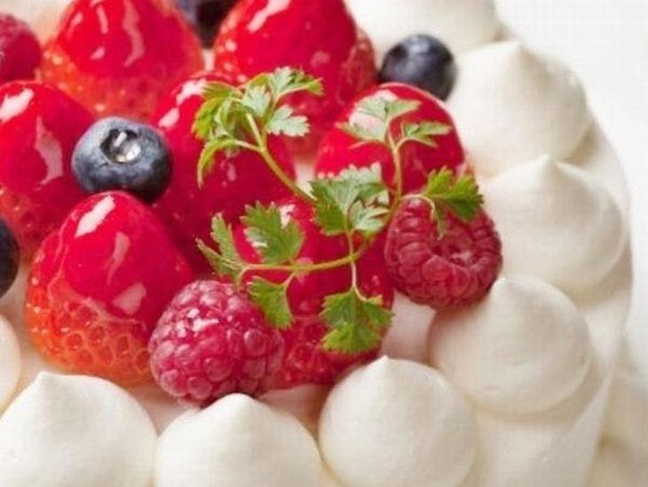 【誰でも最大10%お得】【2人の記念日】スパークリングワイン&特製ケーキでお祝い!2人の記念日プラン/ビュッフェ