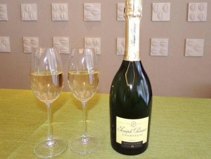 【誰でも最大10%お得】【シャンパンで乾杯】「ジョセフ・ペリエ」フルボトル付プラン/ビュッフェ