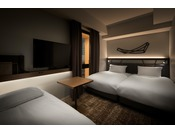 16平米・95cmシモンズベッド・90cmソファーベッド3名利用時はソファーベッドとしてご利用いただけます。