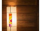 【和室 いくてら】ひと夏限りのねぶたの山車。和紙の欠片をアレンジして作られた照明「KAKERA」