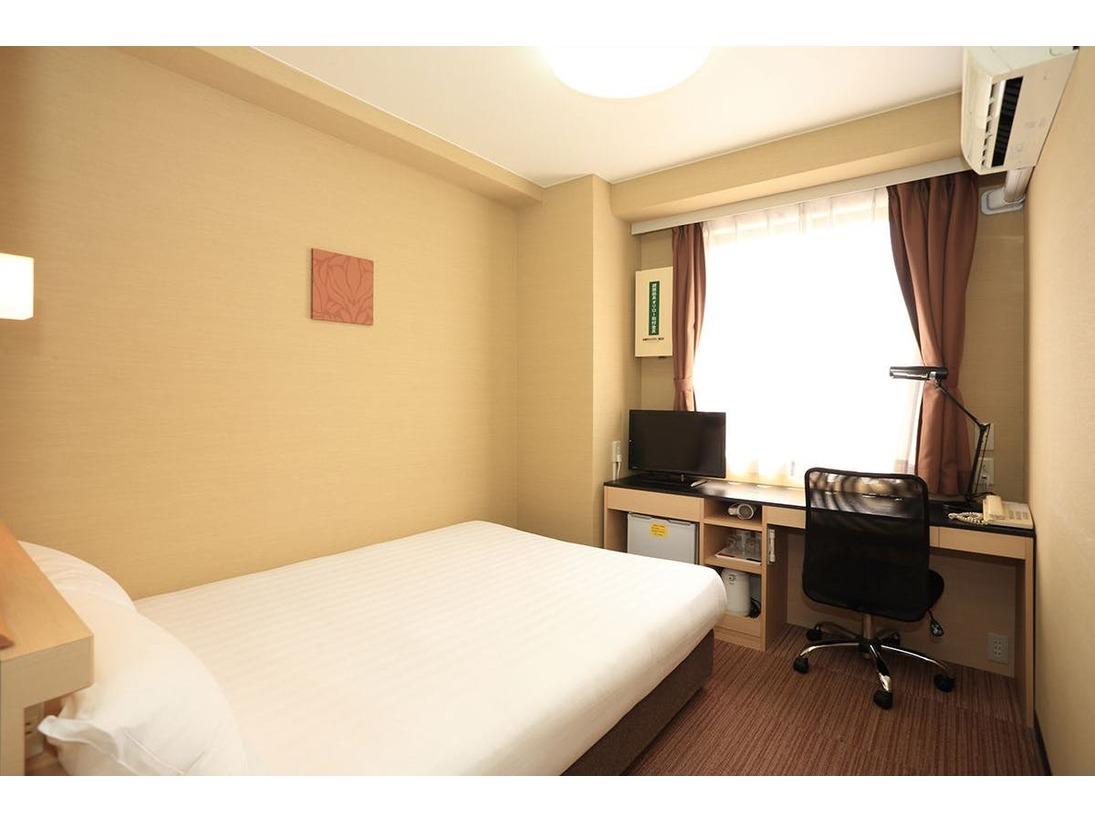 シングルルーム広さ:15平米ベッド:140cm幅×1台