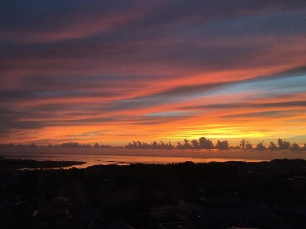 三国の夕陽
