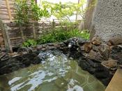 【松琴亭】ヒノキの内湯に露天風呂付きで嬉野温泉を余すところなくお楽しみいただけます
