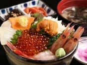 函館の味覚を味わう。「街が食卓」をコンセプトに安心してお薦めできる飲食店をご紹介。