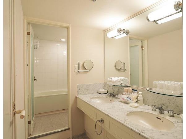 コンバーチブルルーム バスルーム