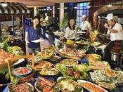 和洋中50種を超える食べ放題メニュー!デザート、サラダバーも充実!お酒もジュースも飲み放題♪