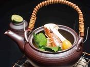 秋の味覚!香り高い松茸の土瓶蒸し