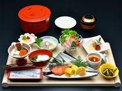 期間限定和朝食膳!提供回数を極力減らしたお膳スタイルでご用意。