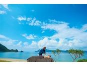 【スパ】室内を始め、ビーチ、芝、屋上で星空を見ながら・・・と様々なシーンでボディケアを受けることができます。体だけでなく、こころまでも癒やすのが、奄美大島最南端のホテル「THE SCENE」です。