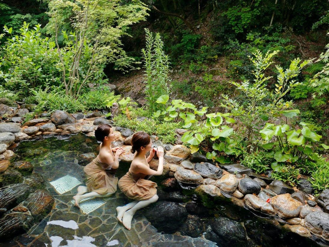 【山の湯】平成30年4月新装オープン。解放感に満ちた渓流沿いの露天風呂。無料・送迎あり