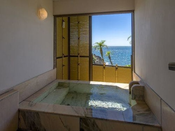 館内に温泉の貸切露天風呂は2か所
