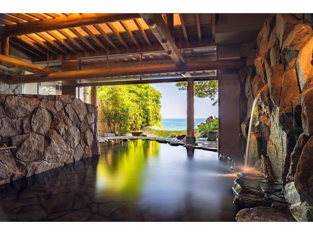 天然温泉「縹」露天風呂
