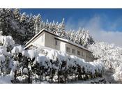ホテル外観 冬(2)
