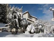 ホテル外観 冬(1)