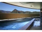【別館露天風呂】上越の山々を眺めながらの温泉は最高!