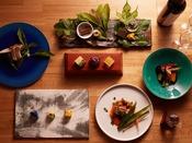 その時期でしか味わうことのできない雪国ならではの食材を和食のコースでご用意。郷土の知恵と食の文化を感じさせる一皿で魚沼の旬を位楽しみください。