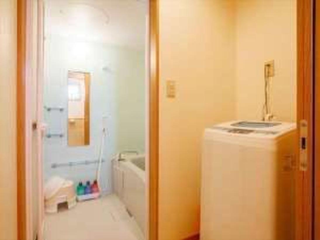 独立したバスルームとトイレをご用意しております。