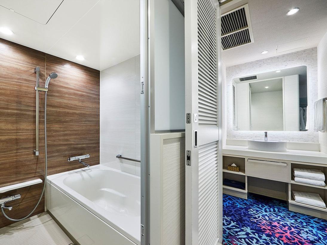 【14階 特別フロア限定】「最上階フロア浴室」一般フロアよりも広めに設計。ゆったりと寛ぎのバスタイムをお過ごしください。(画像はオーシャンデラックス)