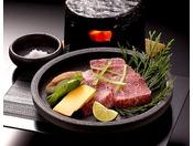 【別注料理 渥美牛の石焼ステーキ】高品質な渥美牛を豪快に焼きあげます。