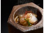 【お料理一例 ふぐ味噌】当館オリジナルの一品「ふぐ味噌」。ふぐと味噌が作り出す絶妙な味わいをお楽しみください。