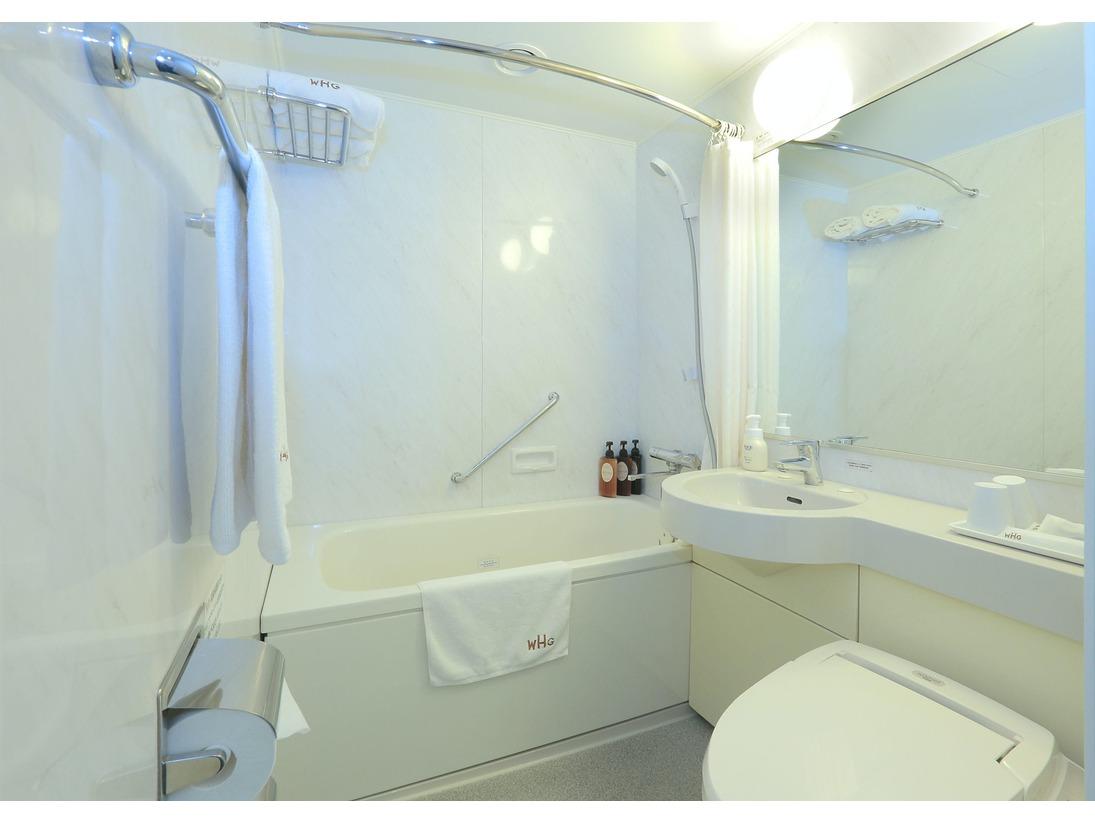 白を基調とした清潔感あふれるバスルームで一日の始まりと終わりを♪