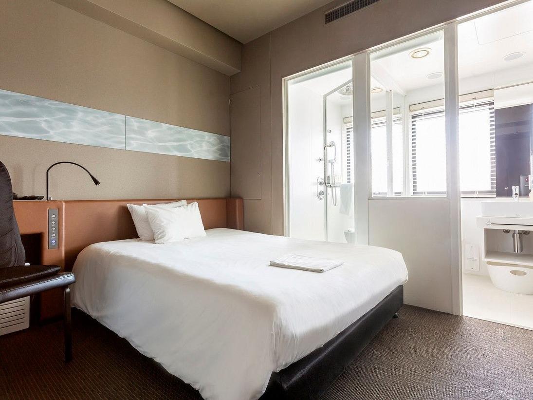 【セミダブルルーム】一例 シャワーブースあり、バスタブなし・ベッド 130-140cm×195cm×1台