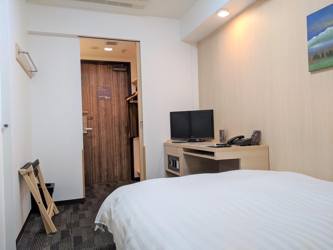 ダブルルーム【禁煙】14平米 サータ社製ベッド1台定員2名・お子様の添寝は1名様まで可能