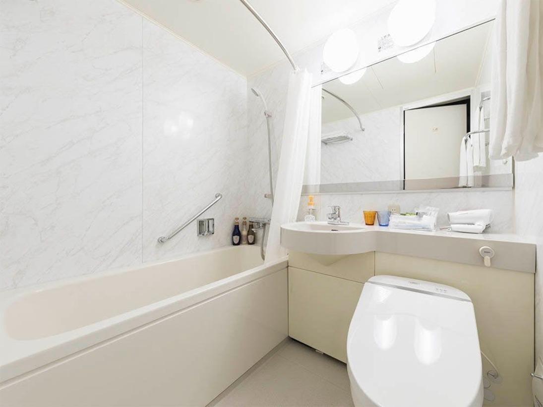 バスルームはユニットバスをご用意