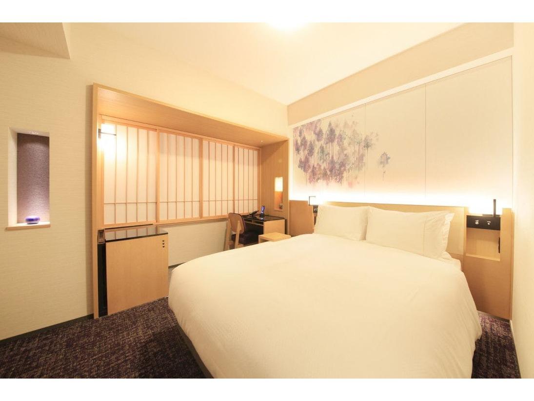 【スタンダードシングルルーム】・広さ18.6平米、ベッド幅140cm・ビジネス・観光・一人旅に最適のお部屋です。