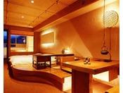 桧の露天風呂付「和風洋室」