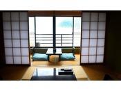 標準和室タイプは全て駿河湾側。海を眺めながらのんびりとお過ごしください。