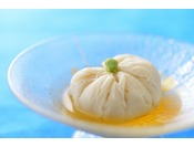 夏の献立一例・先付け 茶巾豆腐