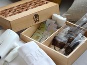 福岡県大川市の伝統工芸品「組子」に入ったアメニティセット