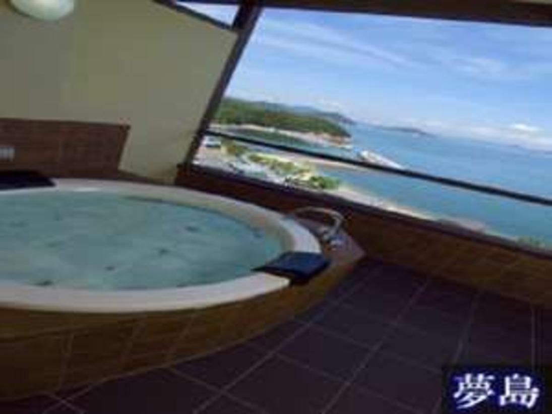 客室露天風呂(一例)海を眺める客室もあり