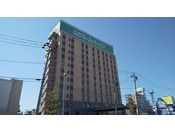 東北自動車道 古川ICより 4.5km 車で約10分、JR東北新幹線 陸羽東線 古川駅より約200m