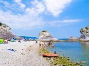とても美しい海岸『浄土ヶ浜海水浴場』へは約23km。遊泳期間2020年7月23日~8月16日予定。