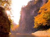 国の史蹟名勝天然記念物に、名勝指定県内第一号に指定され、日本百景のひとつ『猊鼻渓』へは約168km。