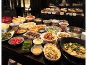 【のれそれ食堂】和・洋・中・デザートなど豊富な料理が並びます