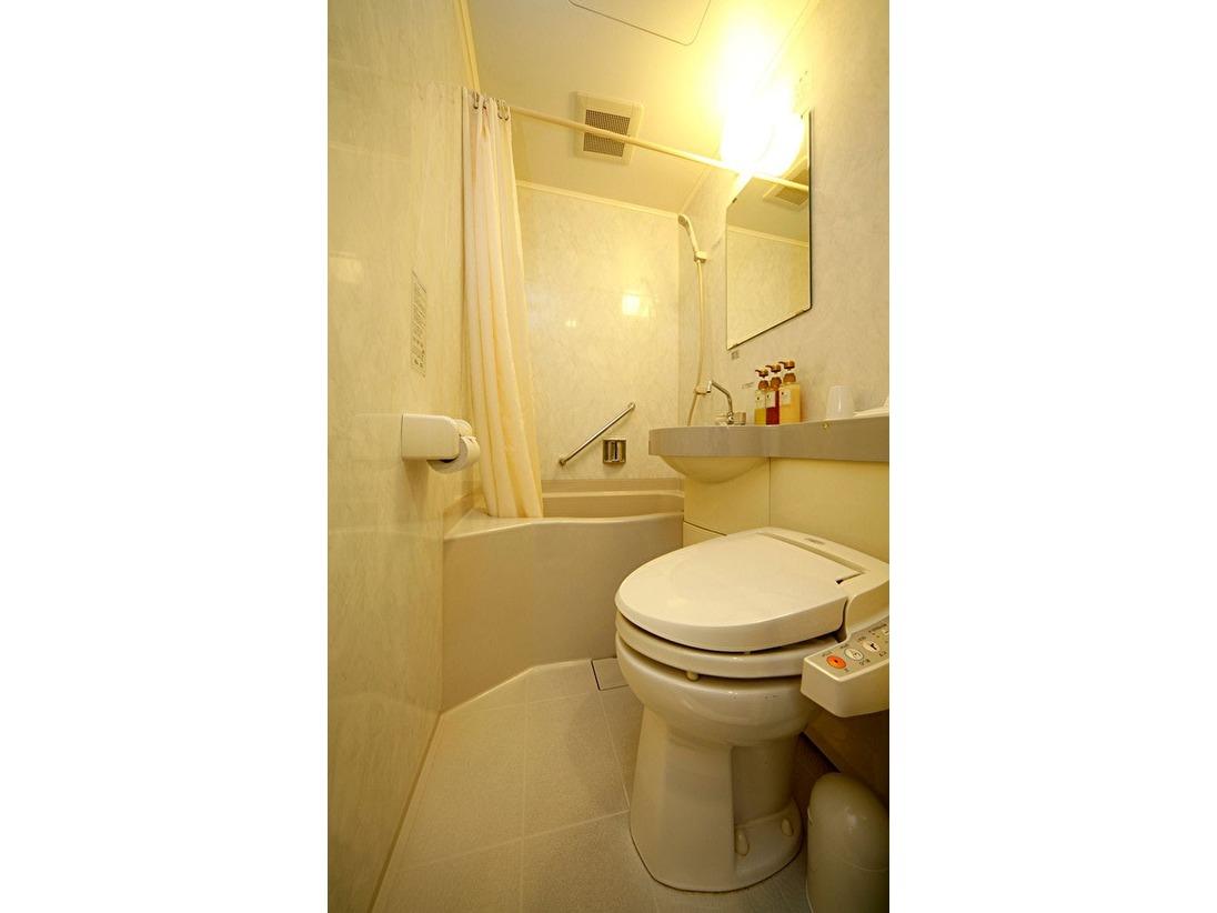 コンパクトながら使い勝手のよいバスルーム