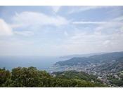 伊豆山361メートルからの景色をお楽しみください。