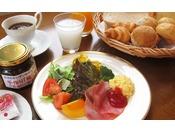 朝食 1,000円(税別) ソフトドリンクおかわり自由