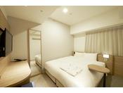 コンフォートダブル(11.5平米)・サータ社製ベッド(160cm)・加湿空気清浄機・wifi完備