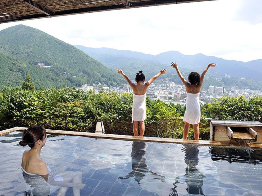 絶景を誇る展望露天風呂「花見月の湯」美人の湯下呂温泉を存分にお楽しみ下さいませ。