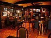ジャズの流れる居酒屋「レンガ横丁」 飛騨牛料理や地酒もご用意
