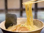 館内の居酒屋はまかんざしで〆のラーメンはいかがでしょうか♪その他飛騨牛料理や旬のお料理を豊富にご用意しております。