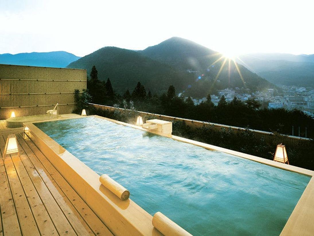 絶景を誇る展望露天風呂「花見月の湯」化粧水のような美人の湯「下呂温泉」をお楽しみ下さいませ。